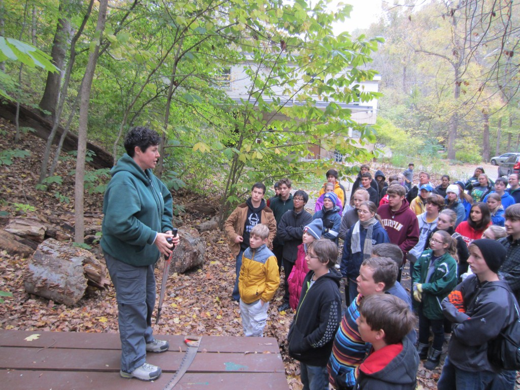Latin students get instructions from the park ranger